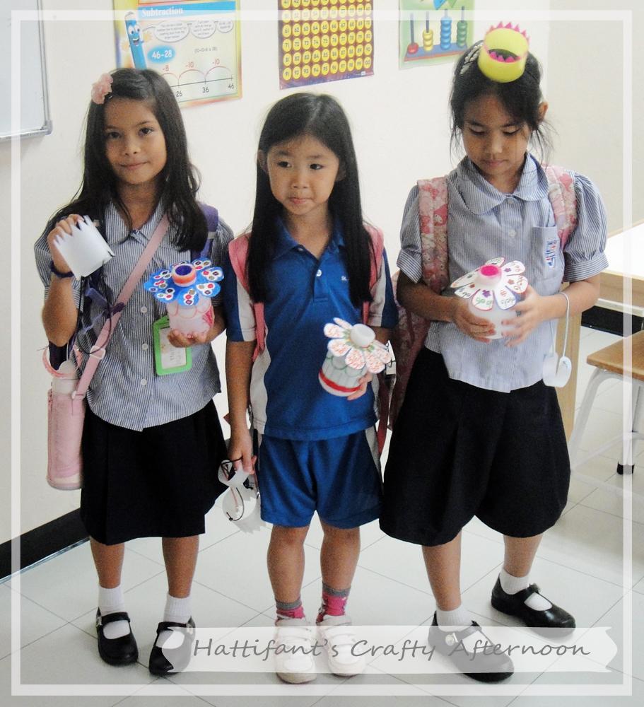 131011_GirlsPresent