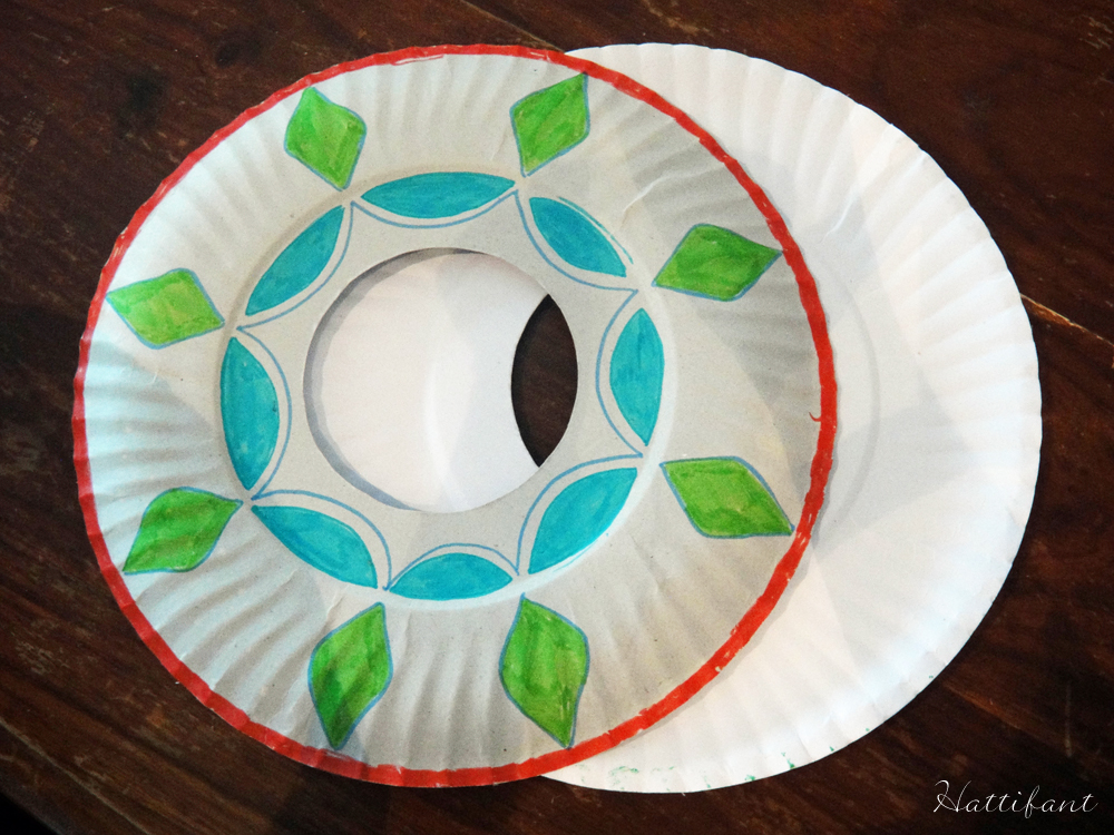 Paperplate Frisbee Hattifant