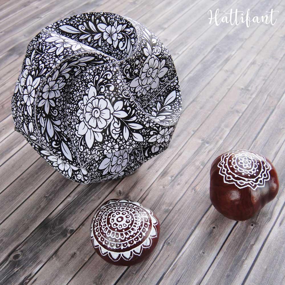 Hattifant's Triskele Paper Globes Flower Edition
