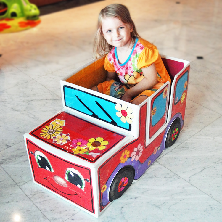 Mimi flowerpower car thomas the train hattifant for How to make a cardboard box car that moves