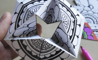 Hanttifant's Kaleidocycles and Flextangles, a papercraft and paper toy for coloring, crafting and playing