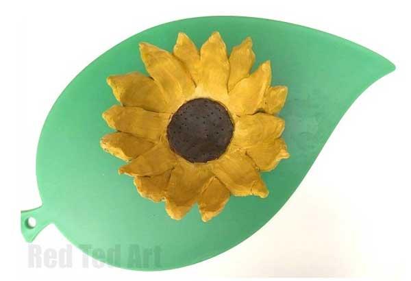 Hattifant's Favorite Clay Crafts Sunflower Bowl