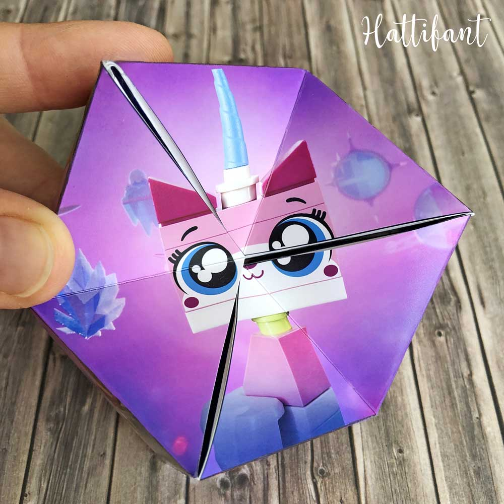 Hattifant's TheLEGOMovie2 Kaleidocycles Flextangles Papertoy Paper Toy Unikitty
